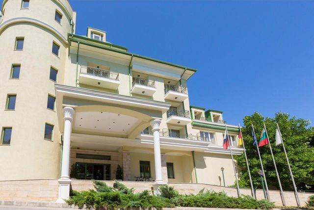 SPA Hotel Romance - Overview